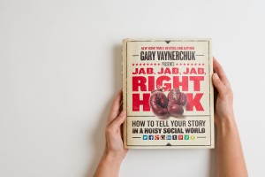 idealust_jab-jab-jab-right-hook_how-to-manage-social-media_featured-1